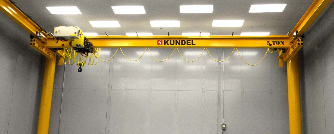 https://kundelcranes.com/sites/default/files/revslider/image/kundel-overhead_workstation_bridge_cranes_up_to_10_ton-02.jpg