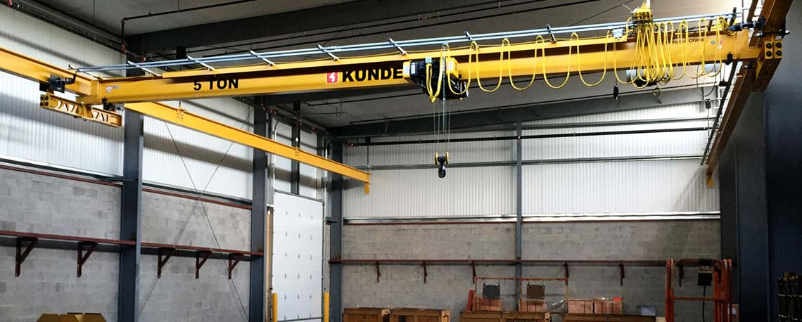 https://kundelcranes.com/sites/default/files/revslider/image/kundel-overhead_workstation_bridge_cranes_up_to_10_ton-04.jpg