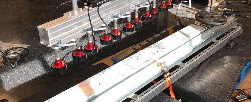 garage door air-actuated magnetic gripper